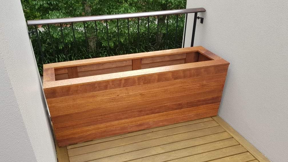Kwila planter box